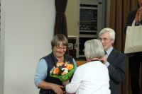 Blumen für die Sprecherin  P.Estel